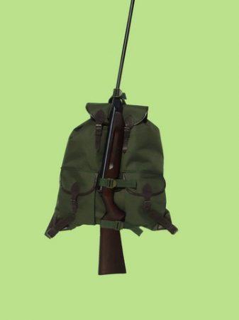 2 zsebes vadász hátizsák fegyvertartóval