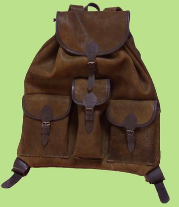 Szarvasbőr hátizsák, 3 zsebes